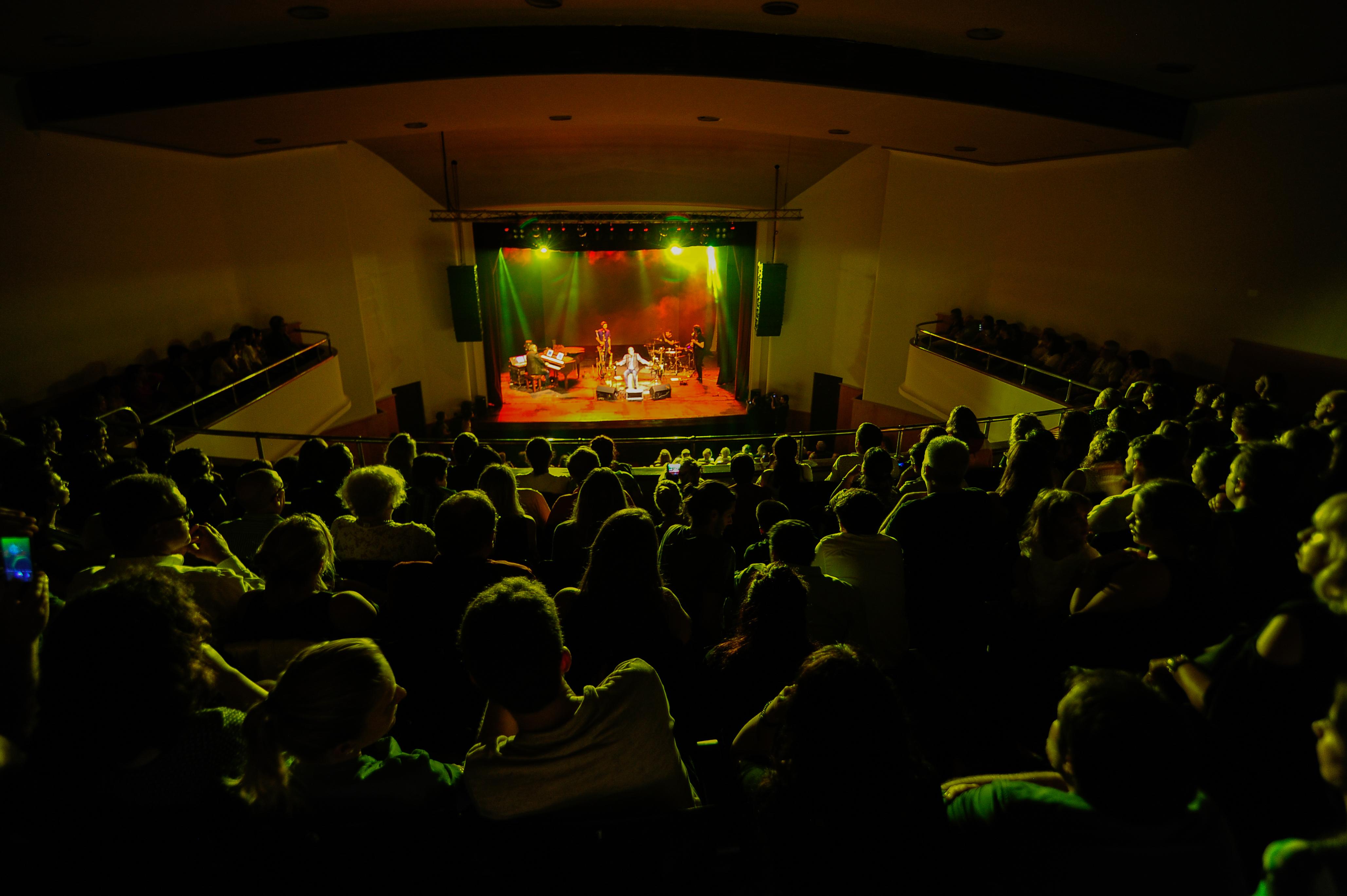 Teatro Metro, 4 51 y 53, 19 de abril